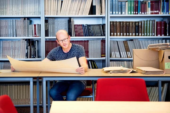 Bezoeker_studiezaal.jpg